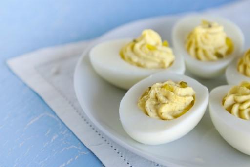 Gevulde eieren stock