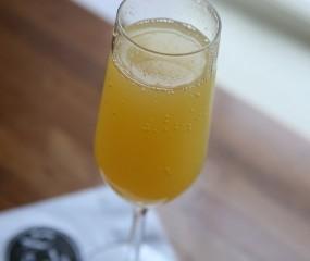 Zo maak je heerlijk frisse mimosa's