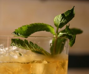 Zo maak je een mint julep: dé whiskey-cocktail uit southern America
