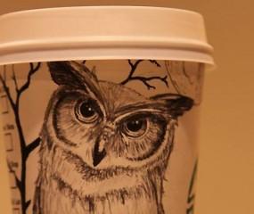 Deze Starbucks-barista maakt ware kunstwerkjes van koffiebekers