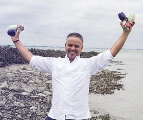 Sterrenchef Edwin Vinke maakt groentesapjes met zeewater