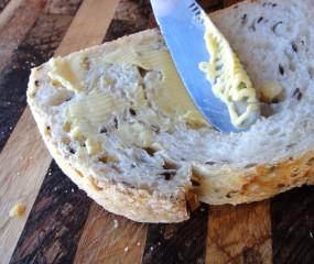 Eindelijk heeft iemand het perfecte botermesje uitgevonden!