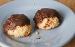 Gevulde kokosmakronen met chocolade