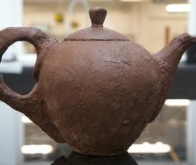 Het bestaat écht: deze theepot is gemaakt van chocolade