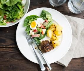 Koken met aanbiedingen: oma's gehaktballen met Hollandse sla