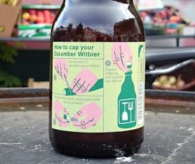 Een Belgisch witbiertje met een DIY-dopje van echte komkommer