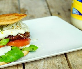 En de winnaar van de Hellmann's burger contest is....
