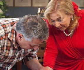 Video: Janny & Robèrt maken een kerststol (Heel Holland Bakt kerstspecial)