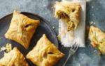 Briwat met kip: heerlijke Marokkaanse bladerdeeghapjes