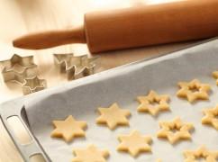 Video: de beste manier om koekjesdeeg uit te rollen