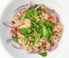 Fishy Friday: Bart & Culy's Monique maken couscous met tonijn (filmpje!)