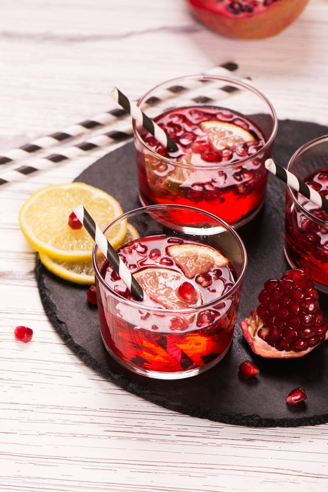 Pomegranate cocktail with lemon