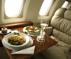 Swiss Air Lines opent sterrenrestaurant in een vliegtuig