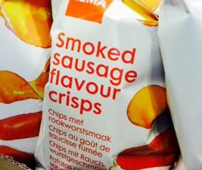 De smaakgekte gaat door: HEMA komt met rookworst chips