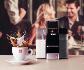 Coffee meets milk in de nieuwe illy Y5 Milk