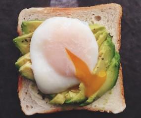 Culy Homemade: avocado toast met een gepocheerd eitje