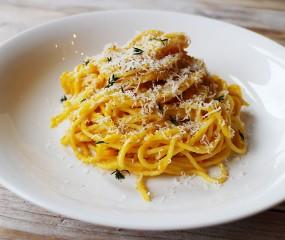 Supersimpel & lekker: spaghetti met romige pompoensaus