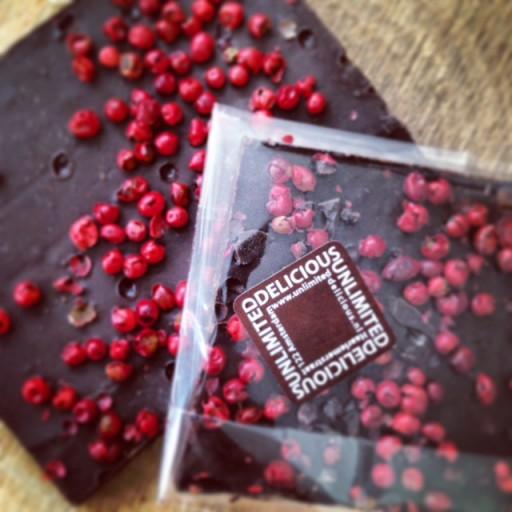 breekchocolade van Unlimited Delicious met roze peper
