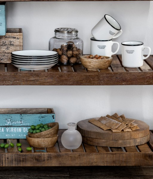 Franse keukens de franse interieurontwerper heeft gekozen voor een zwart witte keuken win mijn - Oude stijl keuken wastafel ...