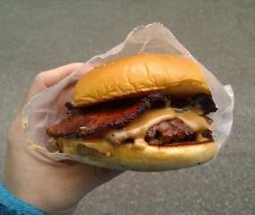 De peanut butter bacon burger: zou jij 'm eten?