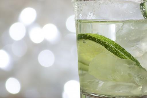gin tonic stock