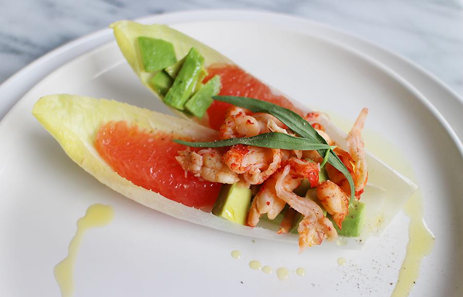 Witlofschuitjes met rivierkreeft en avocado