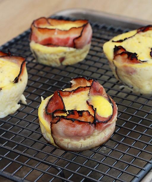 eieren met spek maar dan in een muffinvorm0001