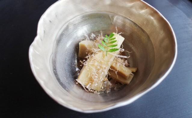 Bamboescheuten met bonito