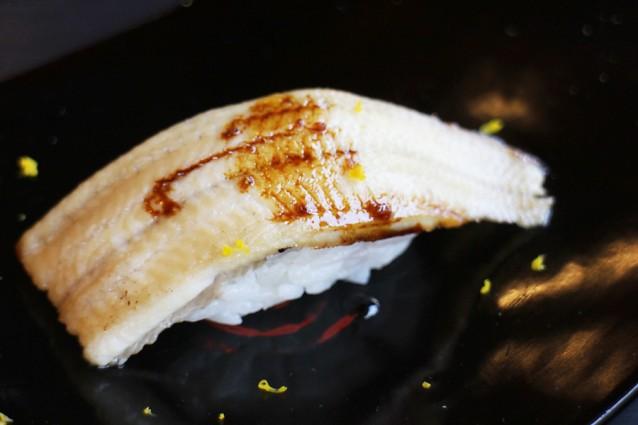 Sushi met makreel en yuzu