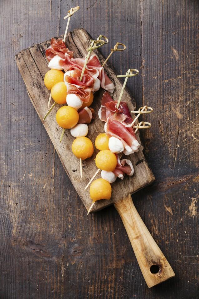 Meloen met rauwe ham stock3