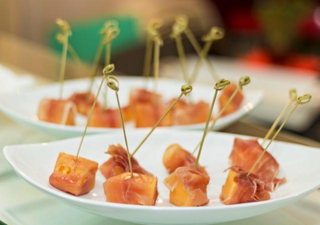 Meloen met rauwe ham stock4