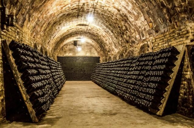 Champagnekelder stock