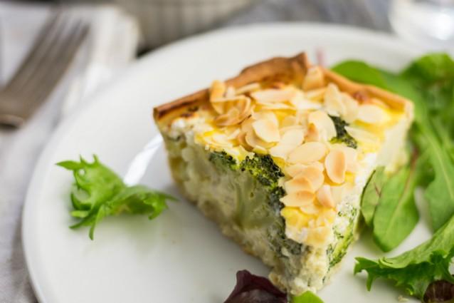 Kokenmetaanbiediengen2 hartige taart met broccoli