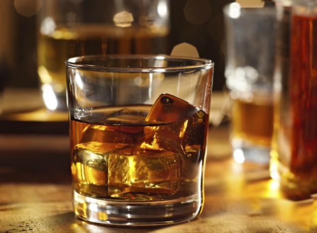 Whiskey whisky glas stock