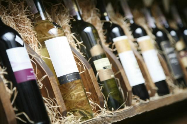 Wijnflessen stock