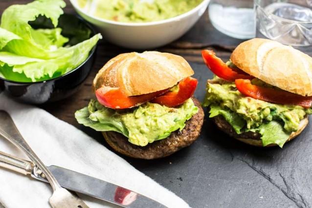 quarter-pounders-met-zelfgemaakte-guacamole
