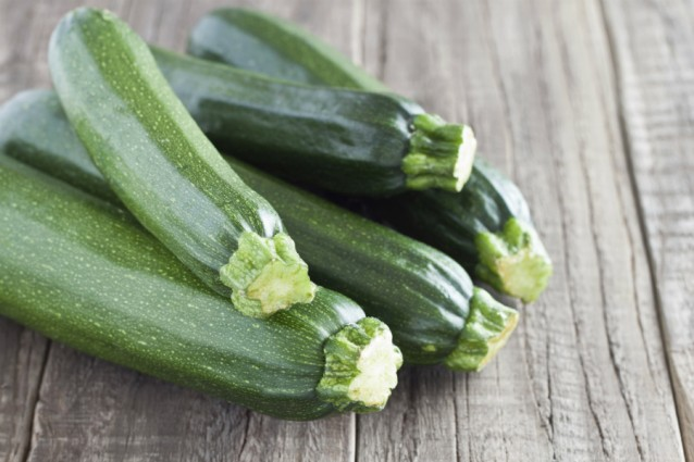 Courgettes stock