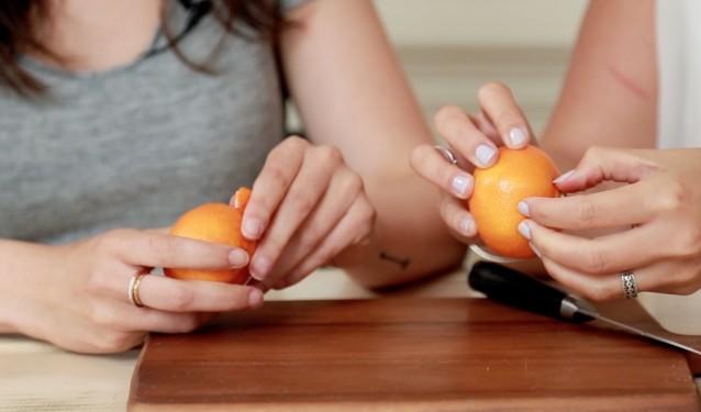 kun je een mandarijn slimmer pellen, als een soort rups?