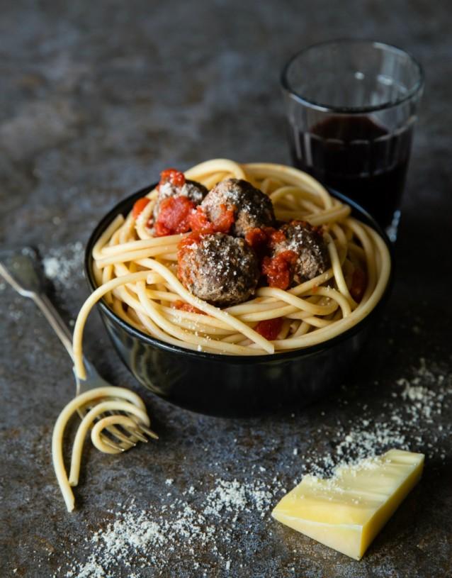 Spaghetti gehaktballetjes meatballs stock