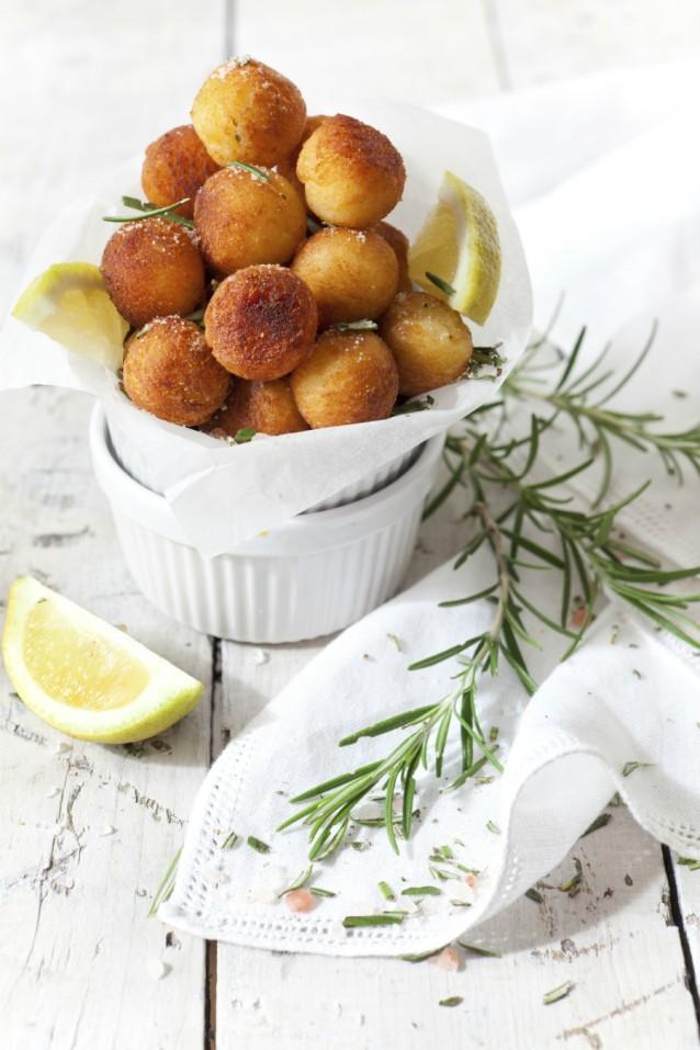 Aardappelkroketjes stock pommes dauphine