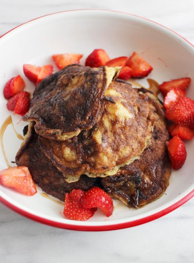 Culy Homemade banana pancakes aardbei1