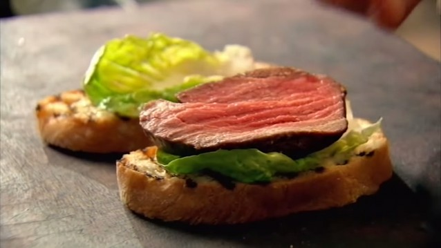 Gordon Ramsays ultieme steak sandwich1