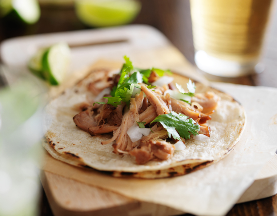 Met deze truc maak je de lekkerste Mexicaanse carnitas