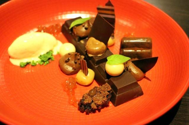 Chocoladereep gevuld met vanille en fudge van karamel