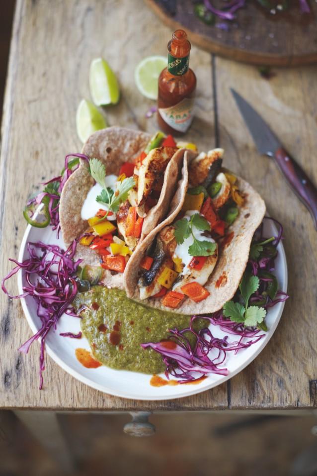 Zalige vistaco's met een salsa van kiwi, limoen & peper van Jamie Oliver