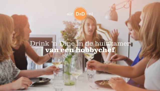 Coverfoto Drink 'n Dine in de huiskamer van een hobbychef