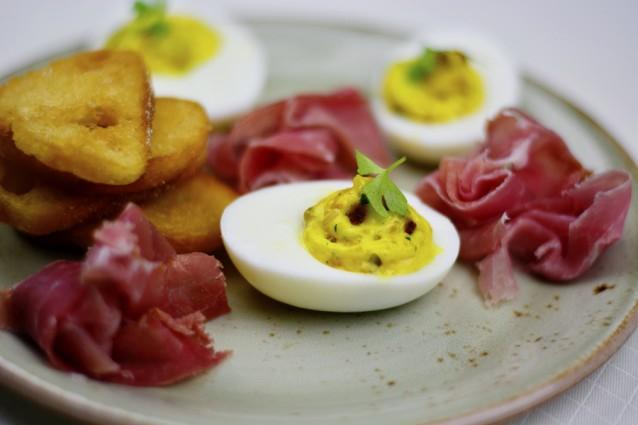 Gevulde eieren stock3