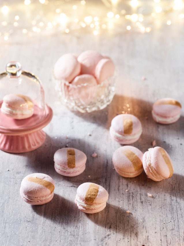 new-years-eve-macarons