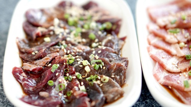 Plakjes vlees stock