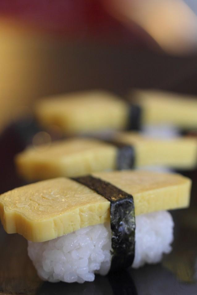 tamago yaki nigiri sushi